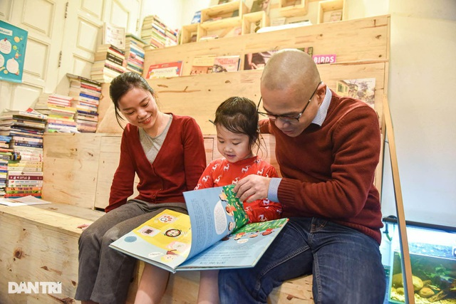 Tiết kiệm tiền, ông bố Hà Nội mở thư viện 2000 đầu sách miễn phí - 8