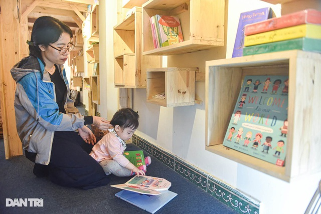 Tiết kiệm tiền, ông bố Hà Nội mở thư viện 2000 đầu sách miễn phí - 2