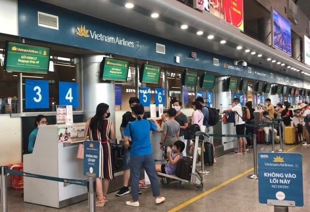 Cầm nhầm đồng hồ hàng hiệu ở Đà Nẵng, khách nữ bị tóm khi tới TP.HCM - 1