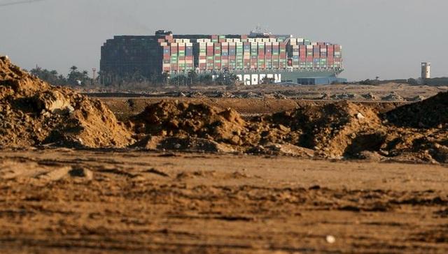 Cận cảnh cuộc giải cứu siêu tàu trên kênh Suez - 4
