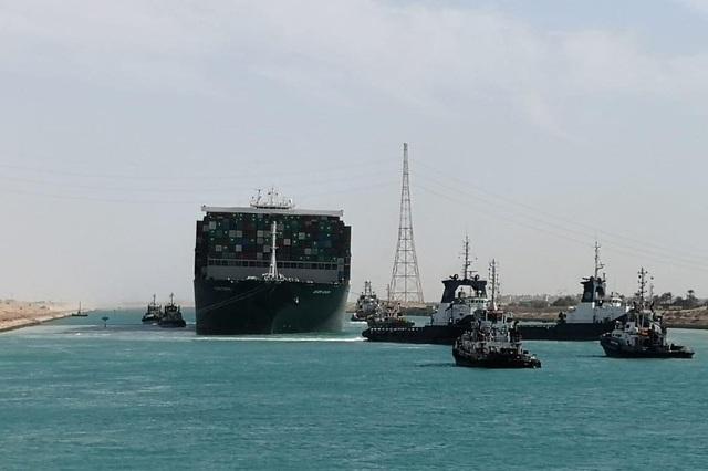 Siêu tàu nổi hoàn toàn, kênh đào Suez khai thông - 2