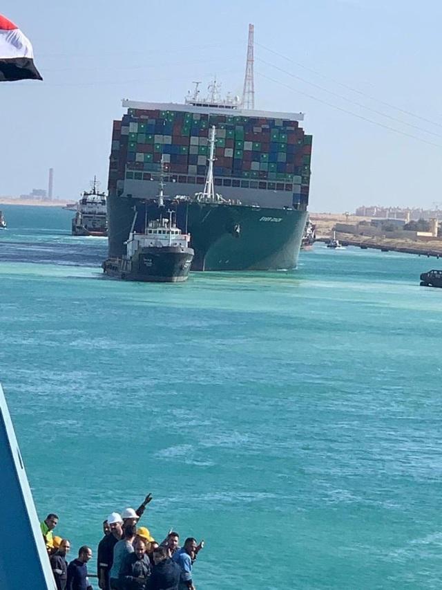 Siêu tàu nổi hoàn toàn, kênh đào Suez khai thông - 4