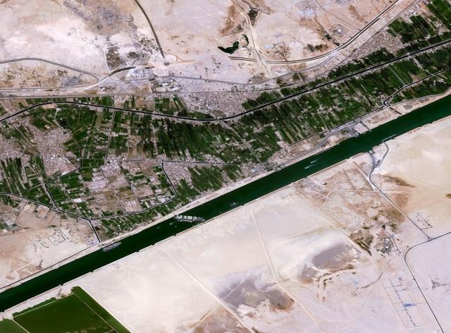 Siêu tàu nổi hoàn toàn, kênh đào Suez khai thông - 7
