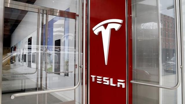 Bán xe chạy điện mãi không có lãi, Tesla kiếm tiền từ đâu? - 1