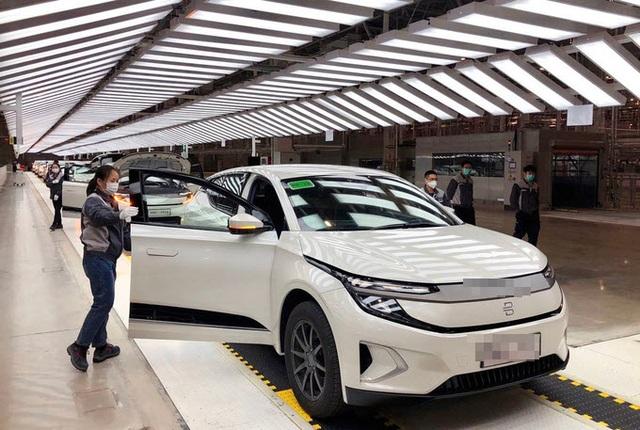 Thấy gì khi Trung Quốc đang đổi thay bàn cờ ô tô điện của thế giới? - 1
