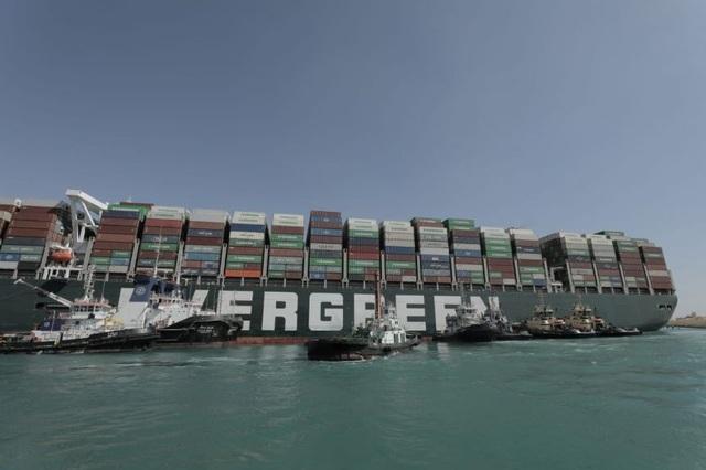 Nỗi sợ hãi khi siêu tàu mắc kẹt trên kênh đào Suez - 3