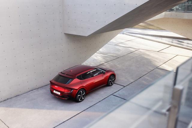 Kia EV6 gây bất ngờ với khả năng tăng tốc nhanh hơn Porsche Taycan - 9
