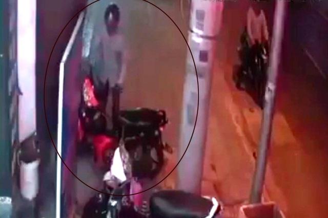 Dò theo định vị, tông thẳng vào xe máy mới bị mất để bắt nghi can đá xế - 3