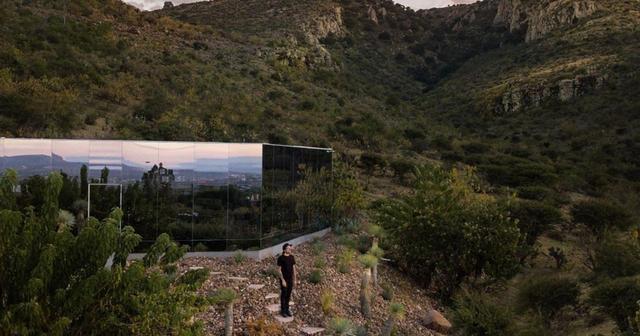 Căn nhà đẹp như mơ được xây trên tàn tích núi lửa - 1