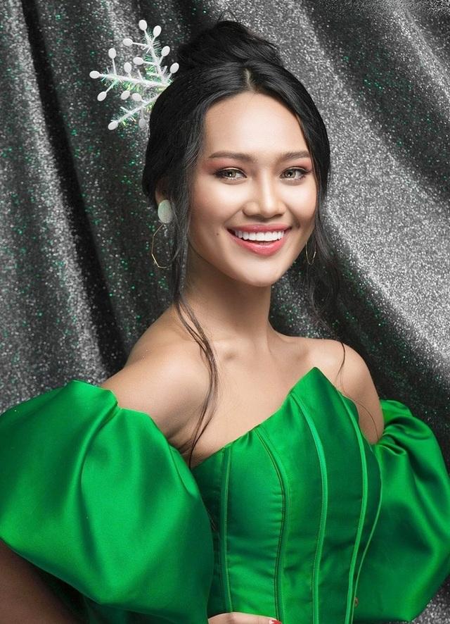 Hoa hậu bị lộ ngực tại Hoa hậu Hòa bình Thế giới dự định không về nước - 7