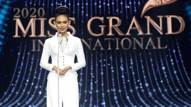 Hoa hậu bị lộ ngực tại Hoa hậu Hòa bình Thế giới dự định không về nước - 4