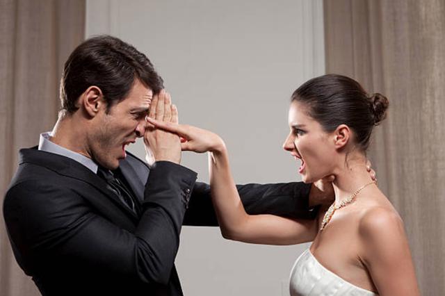 Mẹ chồng bênh con trai quát con dâu, sau phải xin lỗi vì con dâu quá đúng - 1