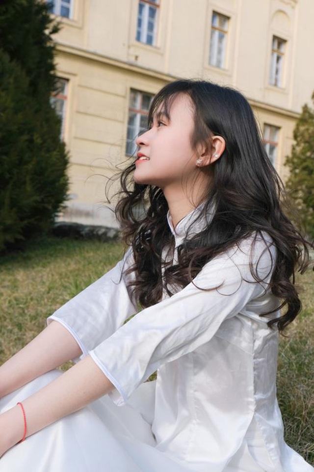 Nữ sinh Lạng Sơn đăng quang Hoa khôi du học sinh Việt tại Hungary - 1