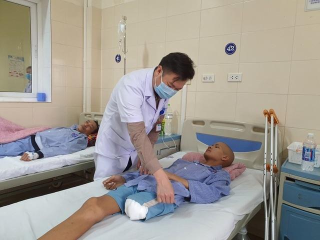 Chàng trai bị ung thư cướp đi một chân được bạn đọc giúp đỡ hơn 120 triệu - 2