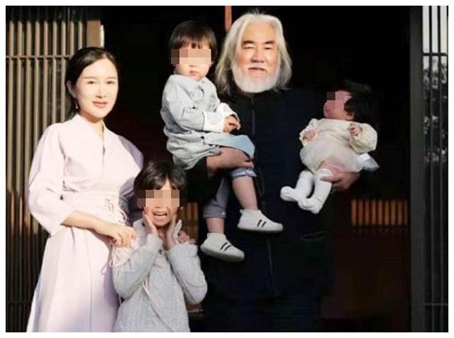 Tuổi thất thập, đạo diễn Trương Kỷ Trung vui thú ở nhà... bế con - 16