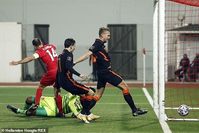 Bồ Đào Nha thăng hoa cùng C.Ronaldo, Hà Lan và Bỉ thắng hủy diệt - 9