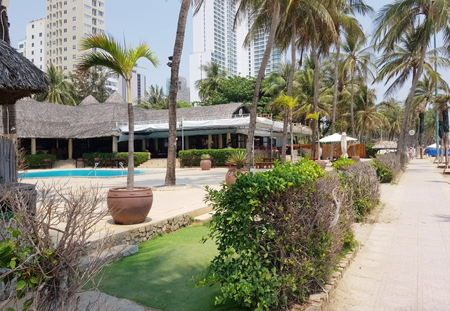 Điểm danh những nhà hàng, công trình khủng chắn biển Nha Trang - 4