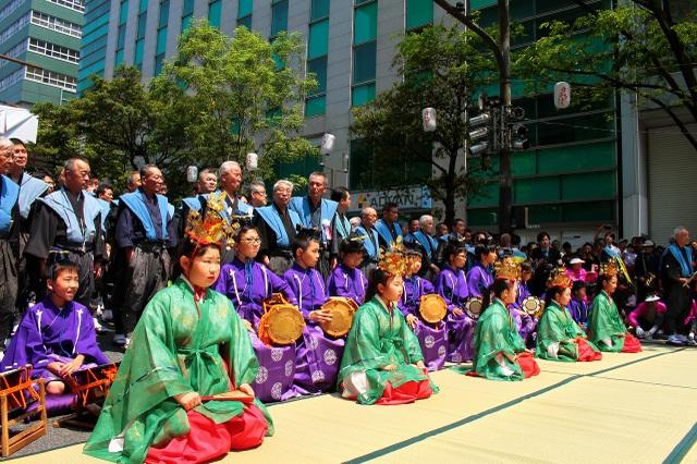 Nhảy múa với thìa múc cơm tại lễ hội 800 năm tuổi của xứ Phù Tang - 8