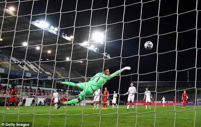 Bồ Đào Nha thăng hoa cùng C.Ronaldo, Hà Lan và Bỉ thắng hủy diệt - 15