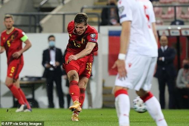 Bồ Đào Nha thăng hoa cùng C.Ronaldo, Hà Lan và Bỉ thắng hủy diệt - 16
