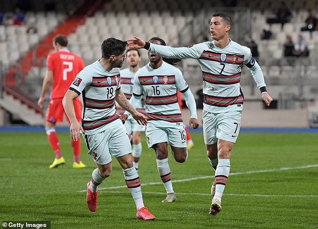 Bồ Đào Nha thăng hoa cùng C.Ronaldo, Hà Lan và Bỉ thắng hủy diệt - 7