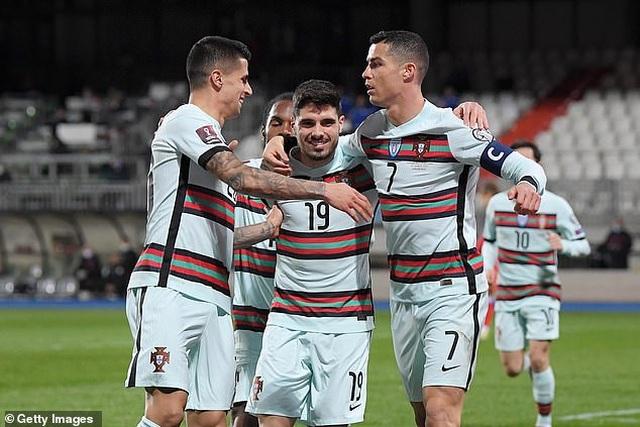 Bồ Đào Nha thăng hoa cùng C.Ronaldo, Hà Lan và Bỉ thắng hủy diệt - 3