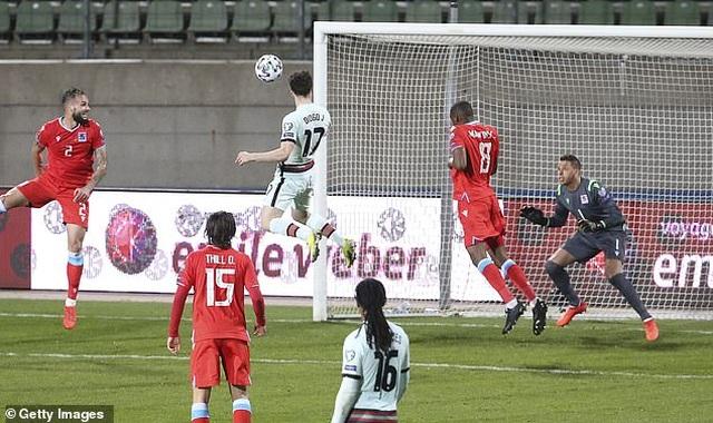 Bồ Đào Nha thăng hoa cùng C.Ronaldo, Hà Lan và Bỉ thắng hủy diệt - 2