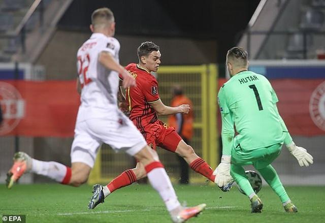 Bồ Đào Nha thăng hoa cùng C.Ronaldo, Hà Lan và Bỉ thắng hủy diệt - 18