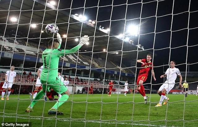 Bồ Đào Nha thăng hoa cùng C.Ronaldo, Hà Lan và Bỉ thắng hủy diệt - 19