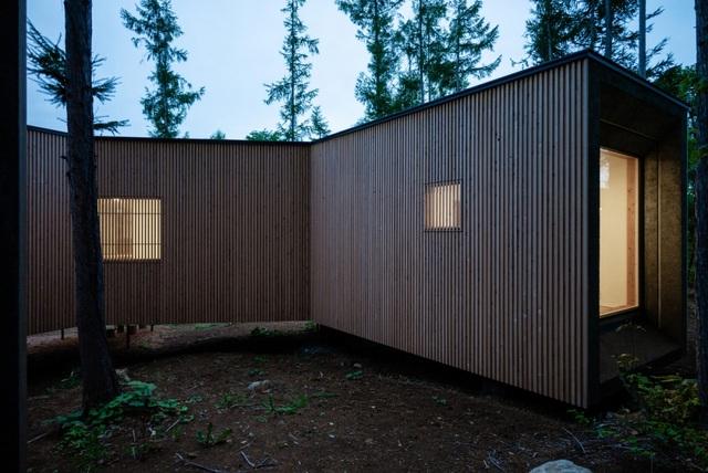 Nhà nghỉ dưỡng bằng gỗ ẩn mình giữa rừng cây ở Hokkaido, Nhật Bản - 6