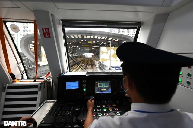 Bắt đầu chuyển giao đường sắt Cát Linh-Hà Đông, chạy thương mại trước 30/4 - 3