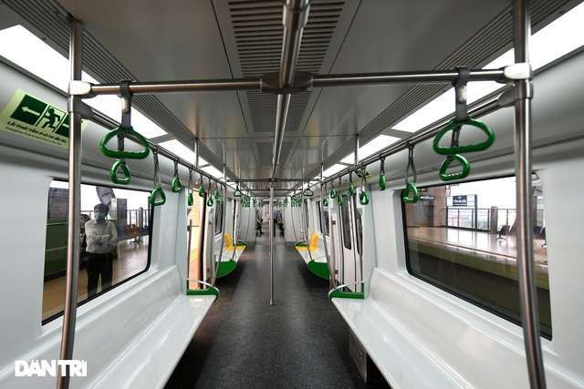 Bắt đầu chuyển giao đường sắt Cát Linh-Hà Đông, chạy thương mại trước 30/4 - 12