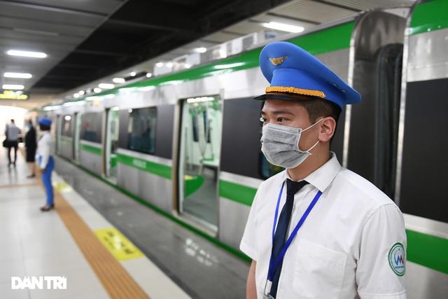 Bắt đầu chuyển giao đường sắt Cát Linh-Hà Đông, chạy thương mại trước 30/4 - 8