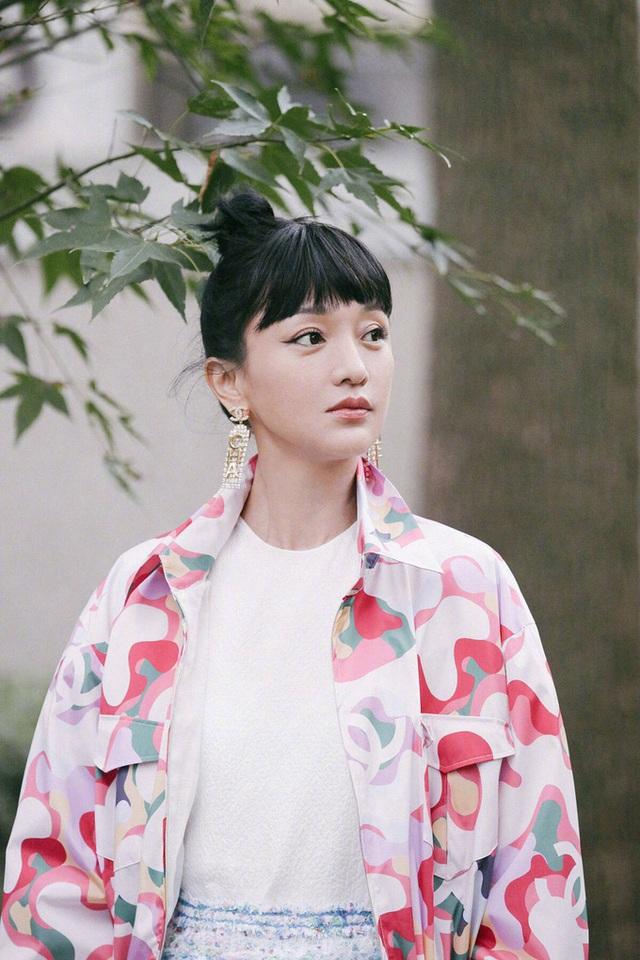 Hậu ly hôn, Châu Tấn đẹp rạng ngời và quyến rũ ở tuổi 47 - 17