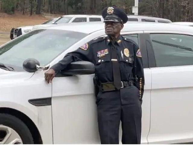 Gặp viên cảnh sát 91 tuổi vẫn chưa có ý định nghỉ hưu - 1