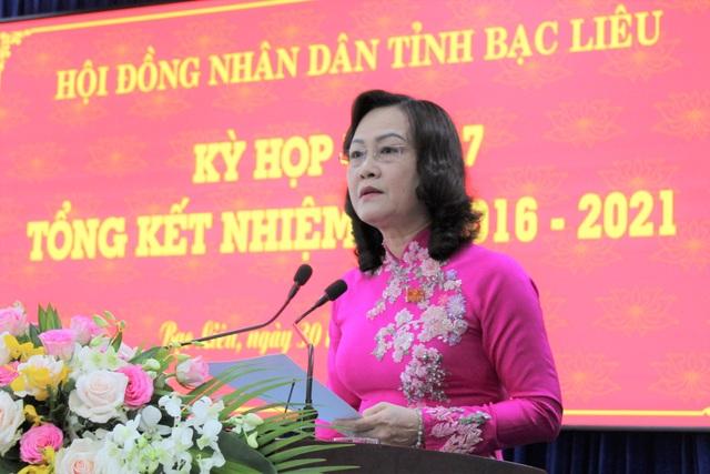 HĐND Bạc Liêu tổng kết nhiệm kỳ, Chủ tịch tỉnh tặng bằng khen PV Dân trí - 1