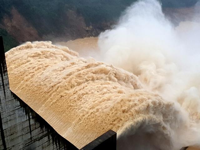 Cả xã mất hơn 16 tỷ đồng vì thủy điện xả lũ, nửa năm chưa được bồi thường - 1