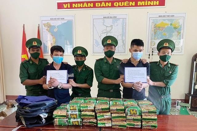 Tử hình 2 đối tượng vận chuyển gần 40kg ma túy đá từ Campuchia về Việt Nam - 2