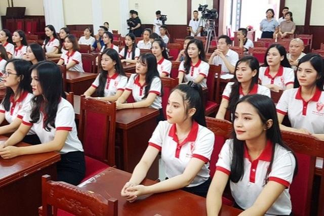 Hơn 13.000 chỉ tiêu tuyển sinh vào Đại học Huế năm học 2021 - 1
