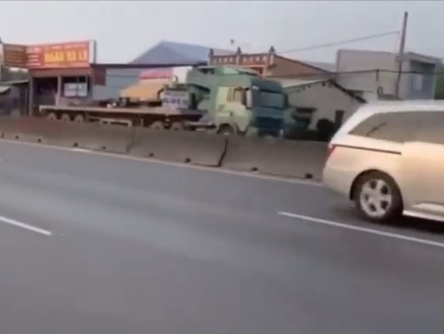 Truy vết tài xế xe đầu kéo liều mạng chạy ngược chiều trên QL 51 - 1