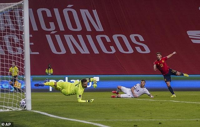 Anh, Italia, Pháp, Tây Ban Nha giành chiến thắng, Đức thua cay đắng - 11