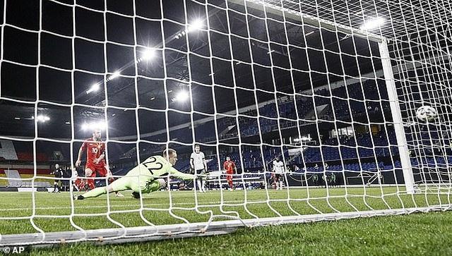 Anh, Italia, Pháp, Tây Ban Nha giành chiến thắng, Đức thua cay đắng - 20