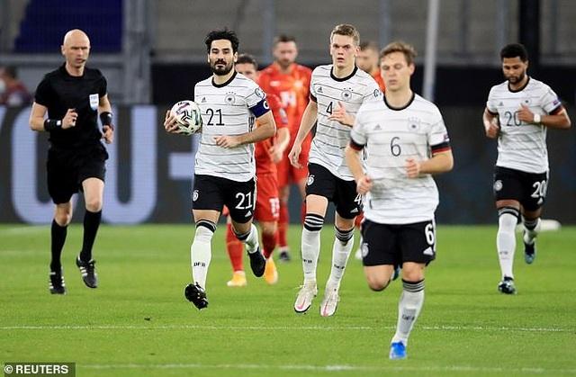 Anh, Italia, Pháp, Tây Ban Nha giành chiến thắng, Đức thua cay đắng - 23