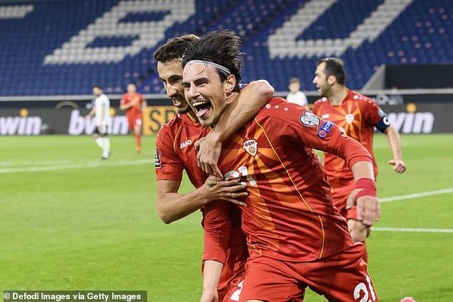 Anh, Italia, Pháp, Tây Ban Nha giành chiến thắng, Đức thua cay đắng - 24