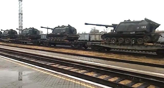 Nghi vấn Nga đưa vũ khí tới gần biên giới Ukraine, Mỹ lên tiếng - 1