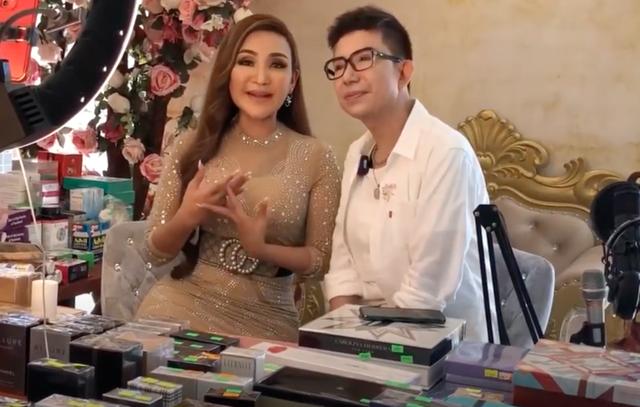 Tiết lộ về cơ ngơi đồ sộ của nữ ca sĩ chuyển giới đầu tiên tại Việt Nam - 4