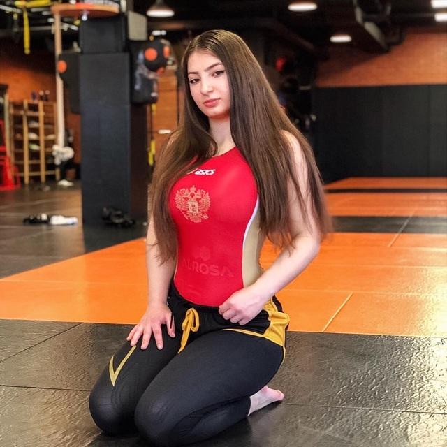 Vẻ đẹp rạng ngời, hút hồn của mỹ nhân MMA người Gruzia - 2