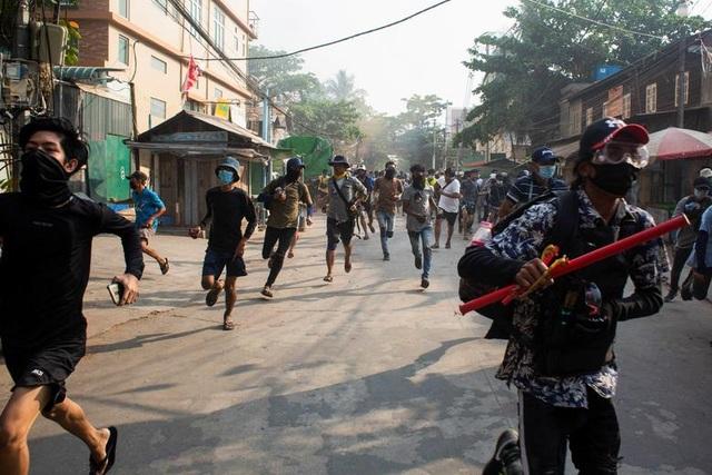 Myanmar căng như dây đàn, Mỹ nhờ Trung Quốc can thiệp - 1