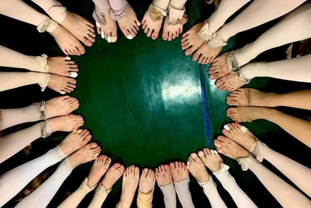 Đôi chân rướm máu và nước mắt gian khổ của học sinh trường Múa - 8