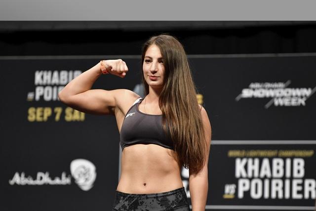 Vẻ đẹp rạng ngời, hút hồn của mỹ nhân MMA người Gruzia - 1